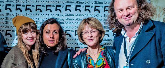 zleva Jenovéfa Boková, Taťána Medvecká, Beáta Parkanová na loňské prezentaci filmu Chvilky na 3 Kino